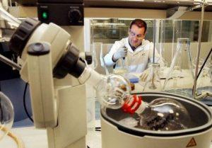 بهینهسازی نانوکامپوزیتهای کاربردی در صنایع تولید رنگ